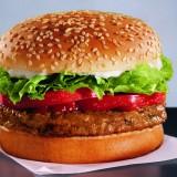 """Veg alla riscossa: """"I veggie burger fanno bene anche all'ambiente"""""""